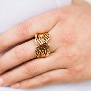 Illumination paparazzi ring - Gold